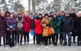Bridge47 ansatte og styregruppe foran hotellet i Helsinki